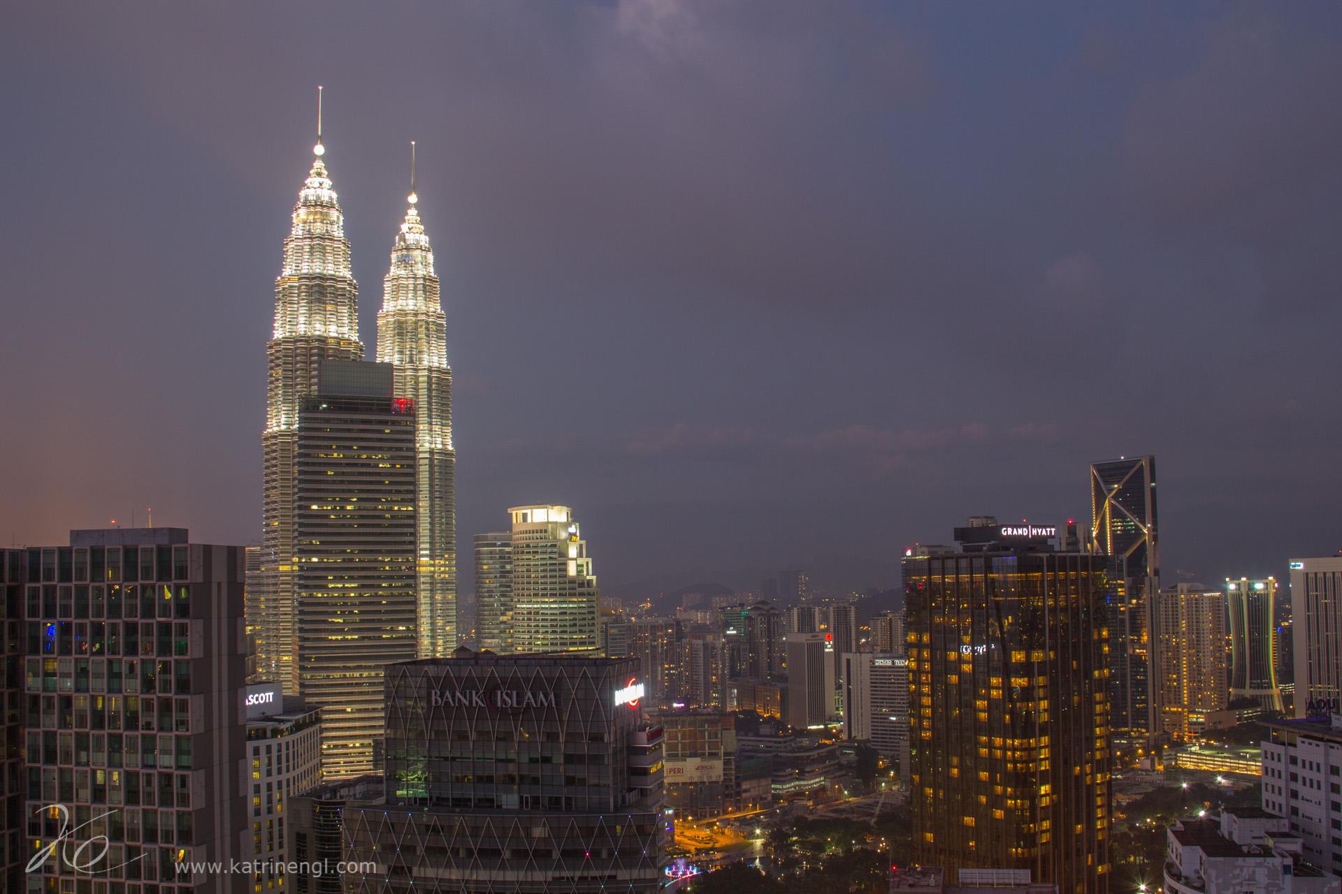Kuala Lumpur by night Heli lounge bR