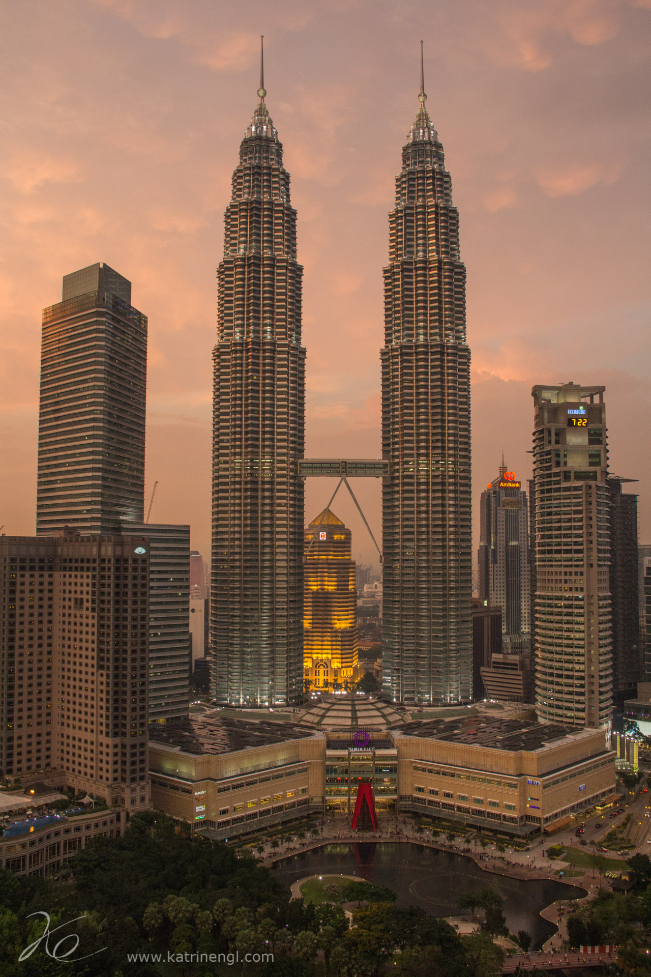 Kuala Lumpur cityscape Petronas towers
