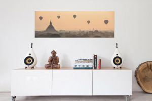 livingroom-balloonsoverbagan.jpg