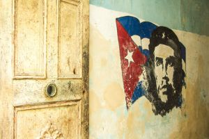 Wall with Che-2